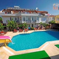 melek_apart_hotel_a_pool02_(medium)