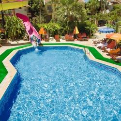 melek_apart_hotel_a_pool04_(medium)